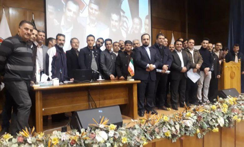 آموزش کارکنان پذیرایی شرکت توسط شرکت آموزشی ایران کارکنان
