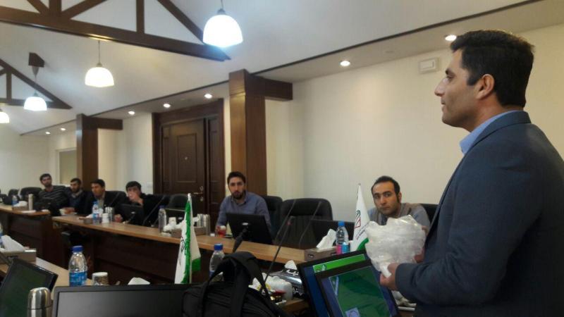 آموزش  تئوری دوره فنون تشریفات و پذیرایی توسط جناب آقای حسین رحمتیان
