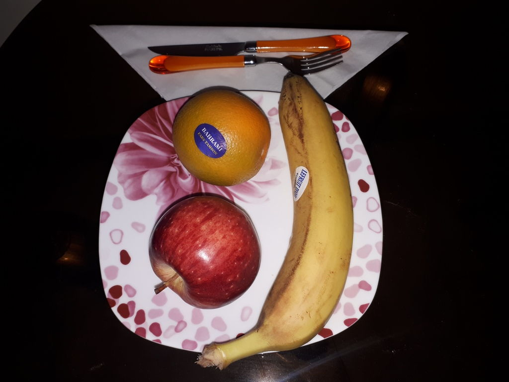 آموزش و طریقه چیدن میوه در جلسات اداری