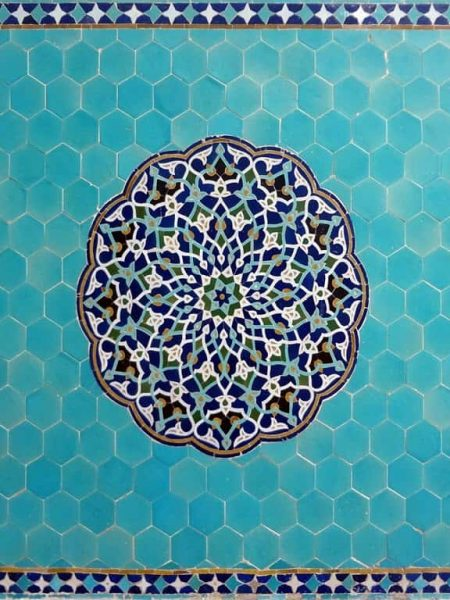 دانلود فایل ورد کاشیکاری در معماری اسلامی