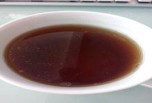 تصویر از چربی روی چای و راهکارهای حل این مشکل